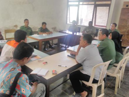 Program PKT : Pemdes Desa Besuki, Diskusi Bersama Pendamping Desa