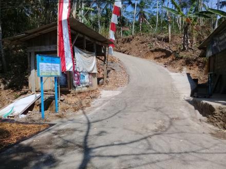Aspal Lapen RT.006 RW.002 Desa Besuki